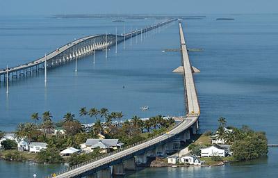 Florida keys vacation rentals marathon fl attractions for Florida keys bridge fishing